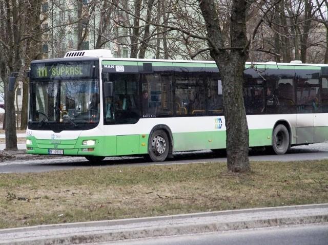 W sezonie letnim z autobusów linii 111 korzysta wielu białostoczan, którzy chcą skorzystać z walorów uzdrowiska
