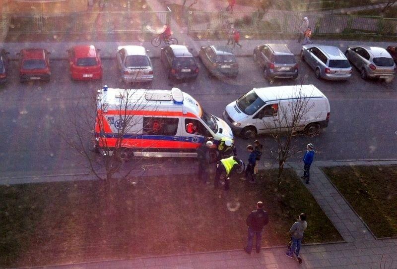 Kierowca nie zdążył zahamować i dziecko zderzyło się z autem