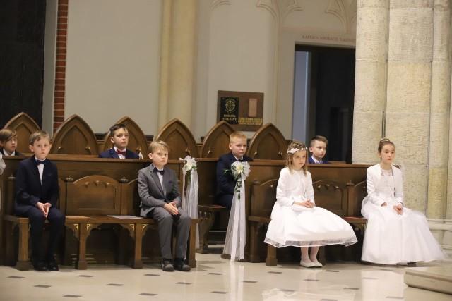 Uroczystość Pierwszej Komunii Świętej w łódzkiej archikatedrze - 15.05.2021.