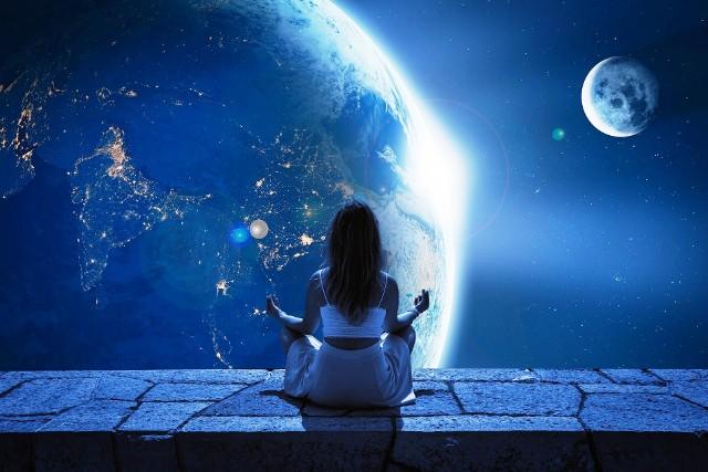 Horoskop dzienny na niedzielę 12 kwietnia 2020 roku. Co Cię spotka w niedzielę 12.4.2020 r.? Horoskop dla wszystkich znaków zodiaku.