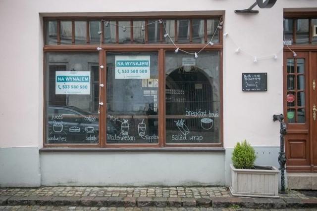 Niektórzy poznańscy przedsiębiorcy z branży gastronomicznej nie wytrzymali trwającego miesiącami lockdownu i zamknęli swoje lokale