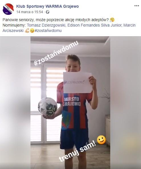 Młody piłkarz Warmii rozpoczął challenge #zostanwdomu trenuj sam