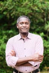 """Polska - Senegal. Piłka nożna to jedna z wizytówek Senegalu"""" - rozmowa z prof. Jeanem Diattą, Senegalczykiem z Poznania"""