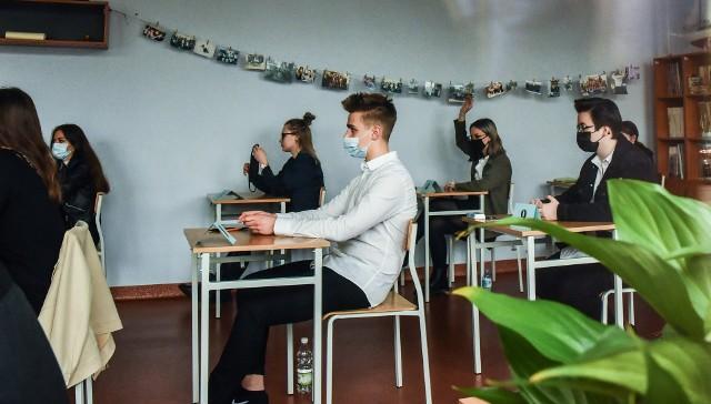 Wyniki matur w województwie kujawsko-pomorskim nie wypadły optymistycznie. Z przedmiotów na poziomie podstawowym najgorzej wypadła matematyka.