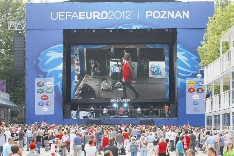 Poznań: Środa w Strefie Kibica - lista przebojów i koncert Audiofeels