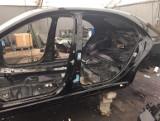 Poznańscy policjanci zatrzymali pasera samochodów. Odzyskali skradzionego mercedesa wartego 300 tys. zł