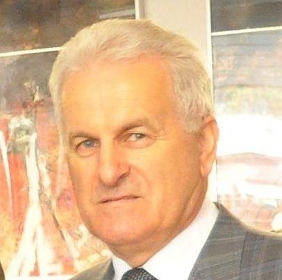 Członek Zarządu Powiatu Staszowskiego Adam Siekierski zrezygnował z pełnionej funkcji