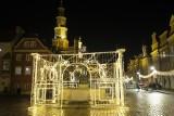 W Poznaniu już można poczuć atmosferę świąt Bożego Narodzenia. Rozbłysły iluminacje świąteczne i choinka. Zobacz zdjęcia