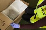Piła: Ponad 11 kg narkotyków oraz znaczną kwotę pieniędzy znaleźli policjanci z Piły. Trzy osoby zostały zatrzymane