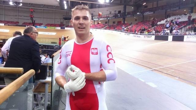Damian Zieliński z Piasta Szczecin w reprezentacyjnym stroju.