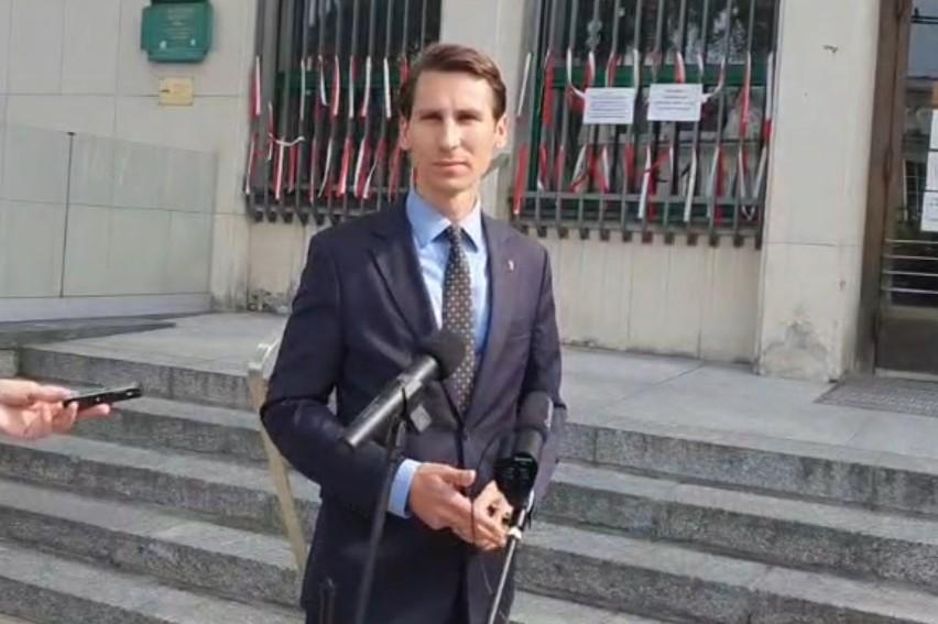 Po wyroku dla Aleksandra K. za atak na ekipę TVP. Poseł Kacper Płażyński chce kontroli w sądzie