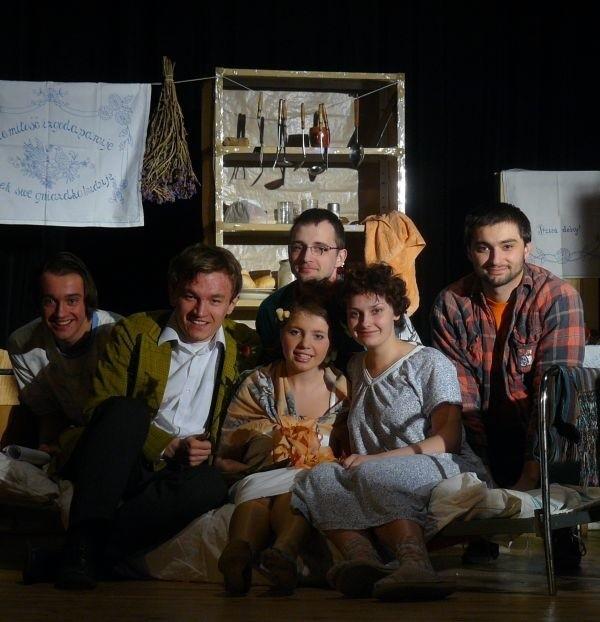 """""""Bez Atu"""" przygotowało premierę sztuki Mariana Hemara."""