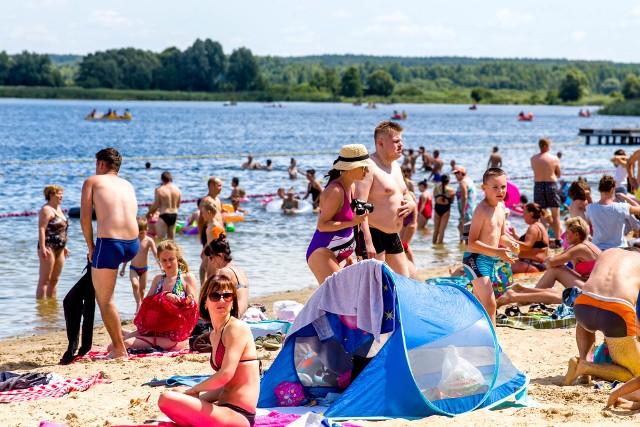W sezonie letnim 2019 na Podlasiu działać będzie trzynaście kąpielisk. Te miejsca znalazły się w wykazie Wojewódzkiej Stacji Sanitarno - Epidemiologicznej w Białymstoku. Wszystkie zaczynają wkrótce sezon kąpielowy. Zobacz gdzie możesz bezpiecznie odpocząć i popływać.