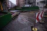 Z Daszyńskiego znikają parklety. Zielona ulica z awarią sieci wodociągowej