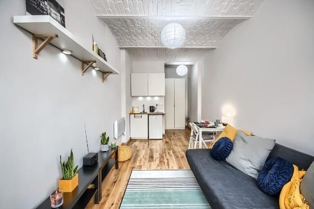 Na sprzedaż lub do wynajęcia. Na rynku nie brakuje ofert małych mieszkań. Własne 18 metrów kwadratowych też może odpowiadać potrzebom życiowym domownika.Sprawdzamy metraże i ceny małych mieszkań wystawionych na portalu Gratka.plZobacz na kolejnych slajdach najmniejsze mieszkania do sprzedaży i na wynajem we Wrocławiu - posługuj się myszką, klawiszami strzałek na klawiaturze lub gestami
