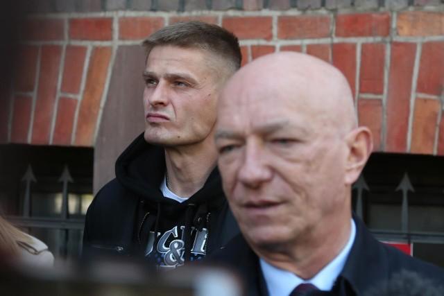 Tomasz Komenda chce zakonczyć ten etap swojego życia, chce zapomnieć - mówi jego pełnomocnik mecenas Zbigniew Ćwiąkalski