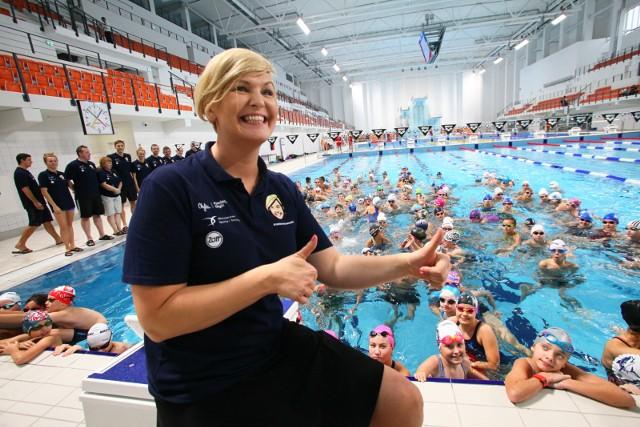 Otylia Jędrzejczak od lat wspiera szkolenie młodych pływaków.