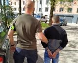 Będzin.32-latek zaatakował ojca nożem. Dramatyczne sceny w mieszkaniu. Napastnik najbliższe tygodnie spędzi w areszcie