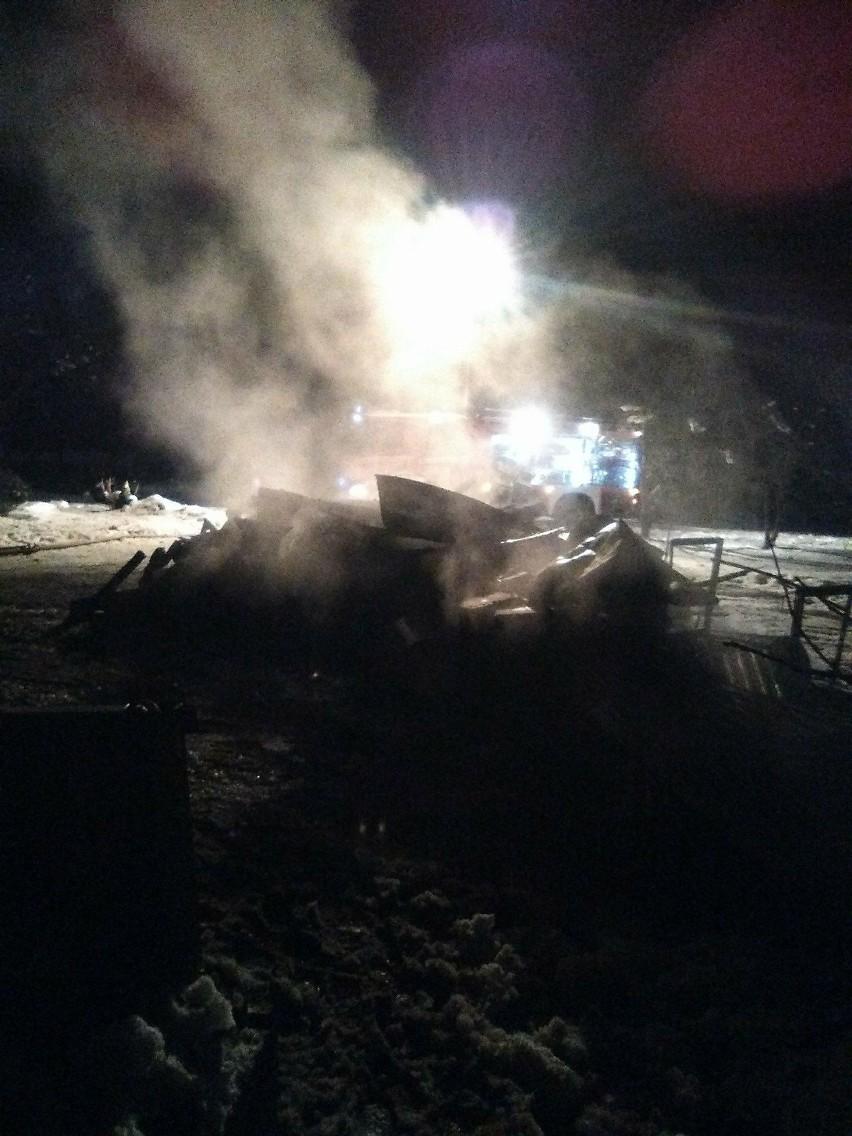 Pożar w Załazku koło Dubiecka w powiecie przemyskim,...