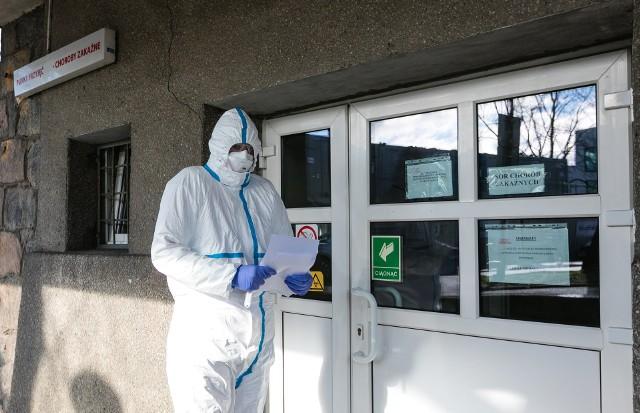 Koronawirus Opolskie. 138 nowych przypadków COVID-19 w regionie. Zmarły dwie osoby [RAPORT 21.12.2020]
