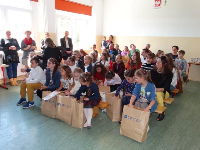 """W Szkole Podstawowej w Słosinku podsumowano VI dekanalny  konkurs plastyczny """"Jezus naucza w przypowieściach"""""""