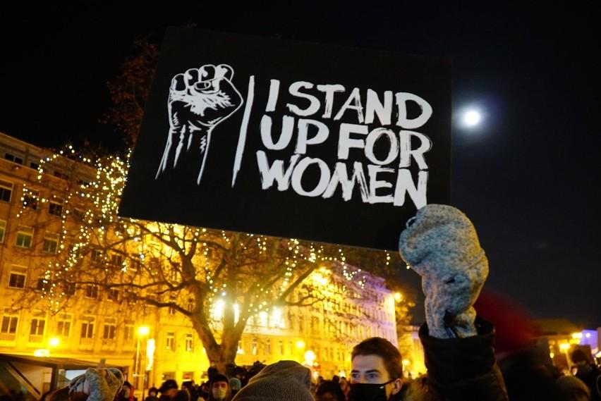 Po wyroku Trybunału Konstytucyjnego w sprawie aborcji...