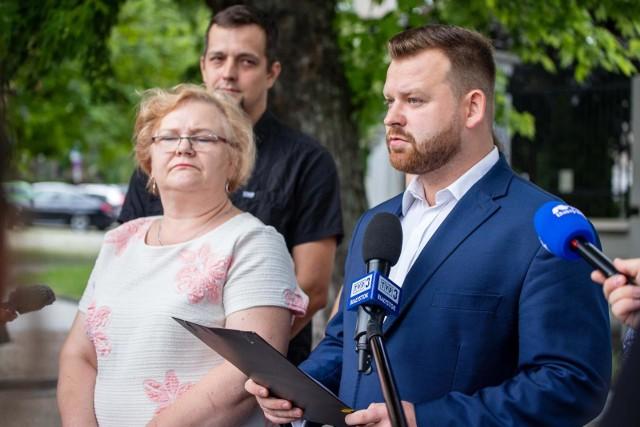Przedstawicieli organizacji działających na rzecz społeczności prawosławnej zorganizowali wczoraj konferencję prasową na skwerze Cesarza Konstantyna Wielkiego w Białymstoku