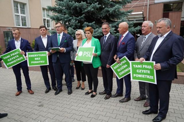 We wtorek (3.09) w południe szef podlaskiego PSL Stefan Krajewski przedstawił kandydatów PSL-Koalicji Polskiej do Sejmu oraz jedynego kandydata do Senatu