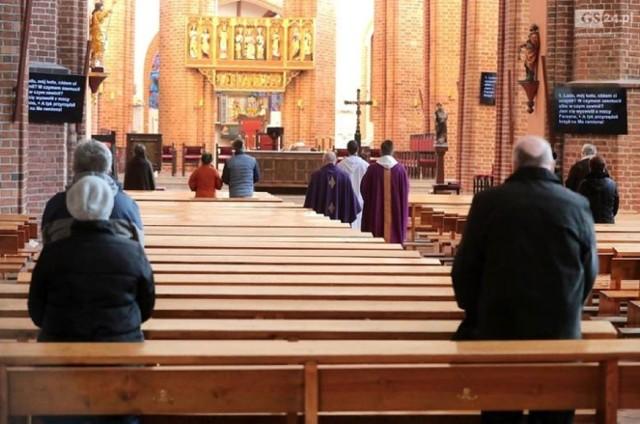 Msza święta 28 czerwca - transmisja w TV. Sprawdź, gdzie oglądać mszę św. w niedzielę, 28 czerwca.