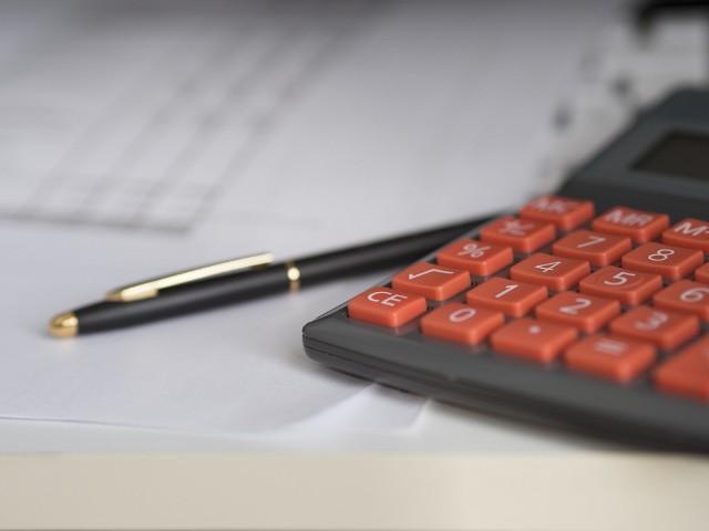 Płaca minimalna 2019. Ile na rękę? Nowe dane i dokładna stawka płacy minimalnej w 2019 roku. Ile netto i brutto?