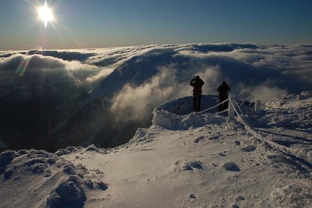 Zimowe warunki na najwyższym szczycie Karkonoszy