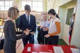 We wtorek egzamin ósmoklasisty z polskiego. Jak będzie wyglądał i na co stawiają uczniowie?