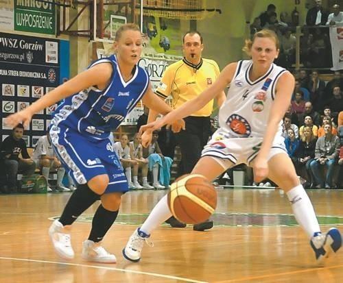 Choć Katarina Ristić (z lewej) zdobyła więcej punktów od Katarzyny Czubak, po meczu radośniejszą minę miała nasza rozgrywająca