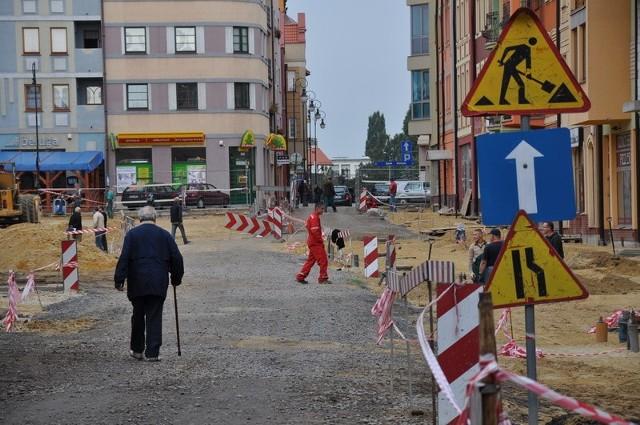 Mieszkańcy głogowskiej starówki oraz kierowcy muszą liczyć się z utrudnieniami w obrębie Rynku. Potrwają one do listopada.