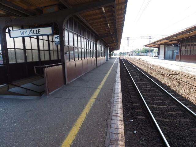 Potrącenie mężczyzny przez pociąg