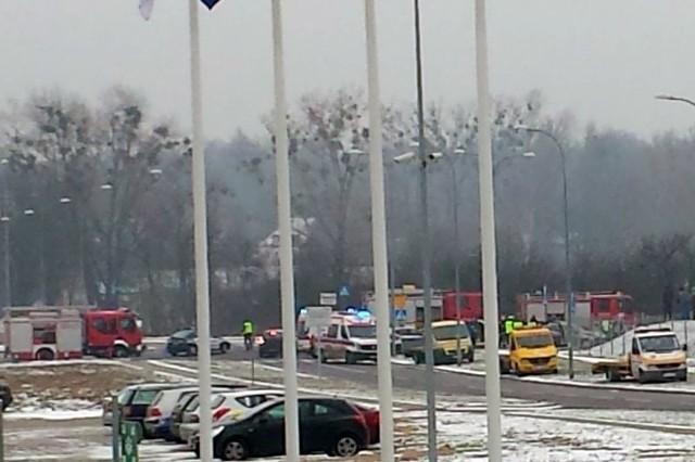 Dwa auta zderzyły się na skrzyżowaniu ulic Kuronia i Myśliwskiej