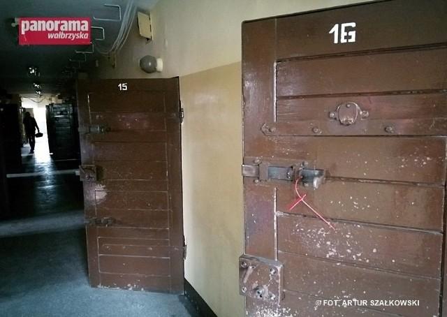 Oto wnętrza opuszczonego już aresztu śledczego na Dolnym Śląsku!