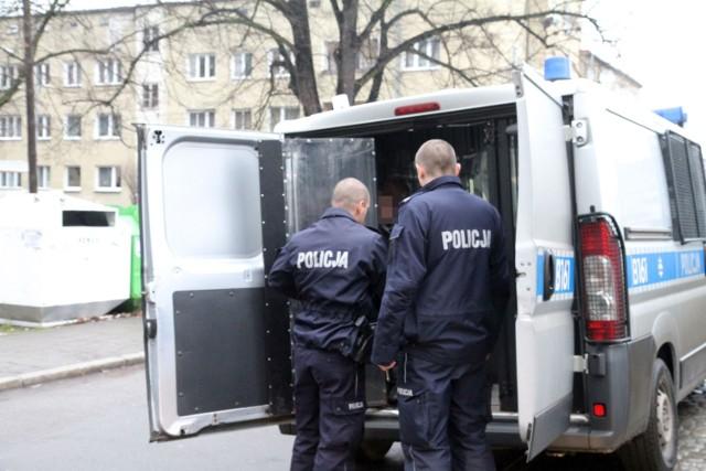 Mężczyzna wraz z kolegą napadł i okradł mieszkańca Solca Kujawskiego.