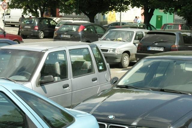 Płatne parkowanie ma być receptą na zatłoczone ulice i parkingi w centrum Brzegu, ale także sposobem na zasilenie budżetu miasta.