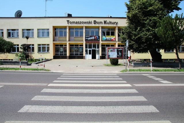 """Koncert Norberta Smolińskiego """"Smoły"""" odbędzie się w Tomaszowskim Domu Kultury"""