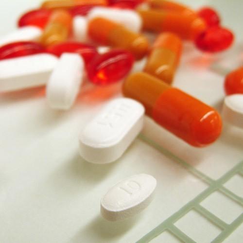 Do najczęściej podrabianych należą medykamenty na potencję, wspomagające odchudzanie, a także antybiotyki, leki hormonalne, sterydy oraz środki przeciwbólowe.