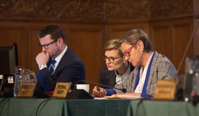 Raport o stanie miasta Krystyny Danileckiej-Wo-jewódzkiej liczy 167 stron