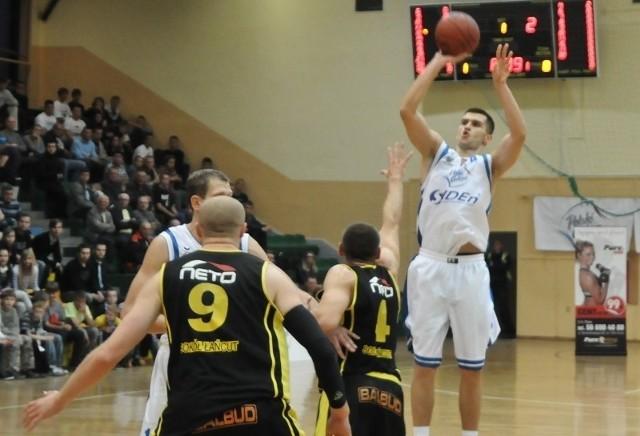 Jacek Jarecki zdobył najwięcej punktów w meczu z Sokołem.