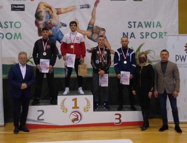 Arslanbek Salimov na najwyższym stopniu podium Pucharu Polski
