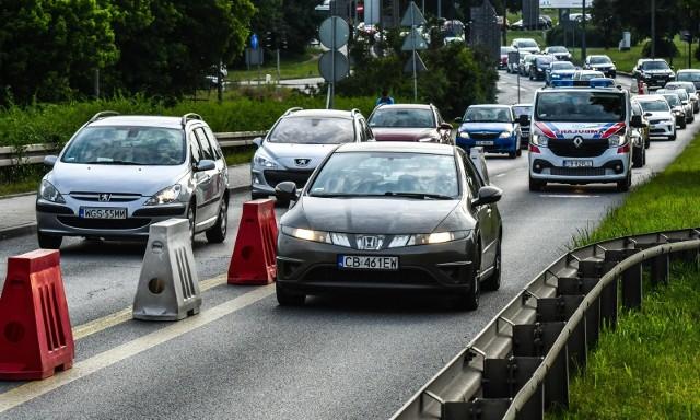 Na otwarcie wiaduktów kierowcy czekali drugie miesiące - naprawę udało się wykonać dwa tygodnie przed terminem.