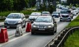 Wiadukty Warszawskie w Bydgoszczy - kierowcy jeżdżą w końcu dwoma pasami