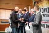 Gala IX Konkursu Wiedzy Patriotycznej o Romanie Dmowskim. Poznaliśmy autorów najlepszych prac (zdjęcia)