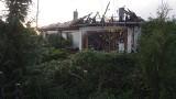 Pożar domu jednorodzinnego na ul. Jamneńskiej w Koszalinie. Ogromne straty [ZDJĘCIA]