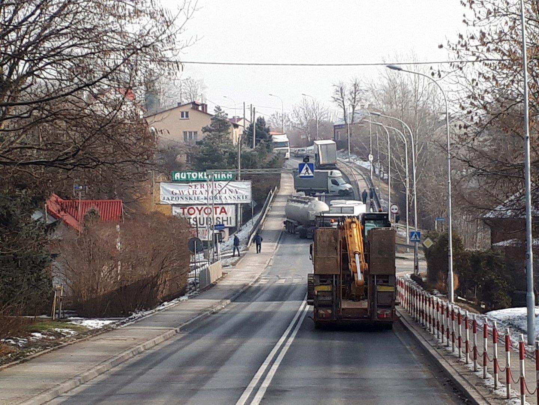 Bardzo dobra Wypadek na trasie Leżajsk - Nowa Sarzyna. Jedna osoba została HC06
