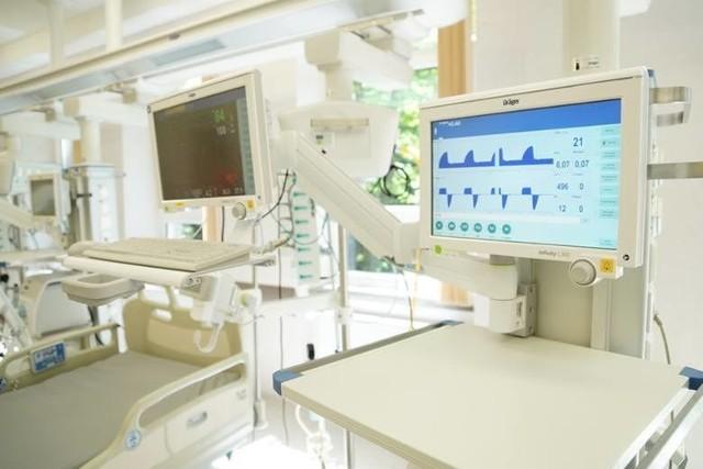 Respirator jest nieraz niezbędny, żeby osobie zarażonej koronawirusem uratować życie
